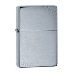 Zippo 230 Vintaged Brushed Chrome w/slashes tulemasin